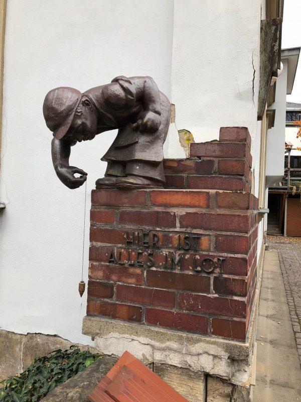 Необычный памятник в Дрездене