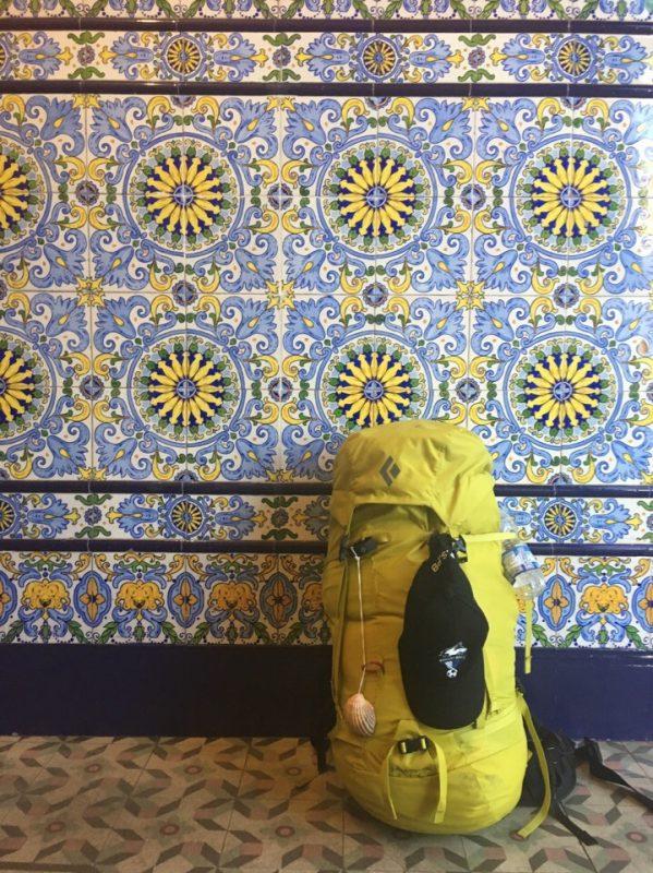 Самое необходимое в Пути - это удобная обувь, спальник, дождевик и компостела (паспорт пилигрима).