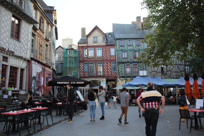 Площадь Sainte-Anne и знаменитые фахверковые дома, исторический центр Ренна